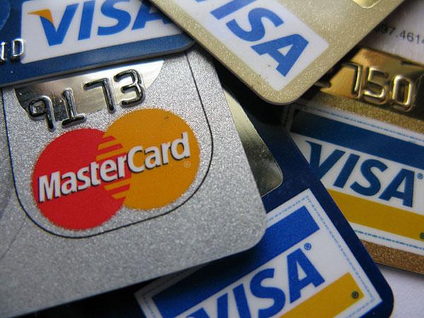 最も還元率が高いカードは年間利用額で変わる